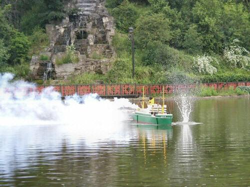 2004-06-26_Scarborough_Battleships_0016.jpg